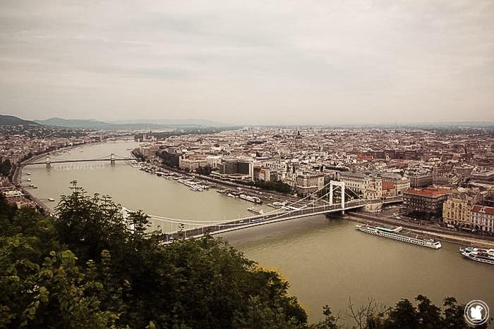 Vue de Budapest depuis le Mont Géllert