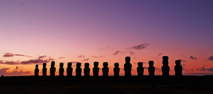 Les statues Moaï de l'ïle de Paques