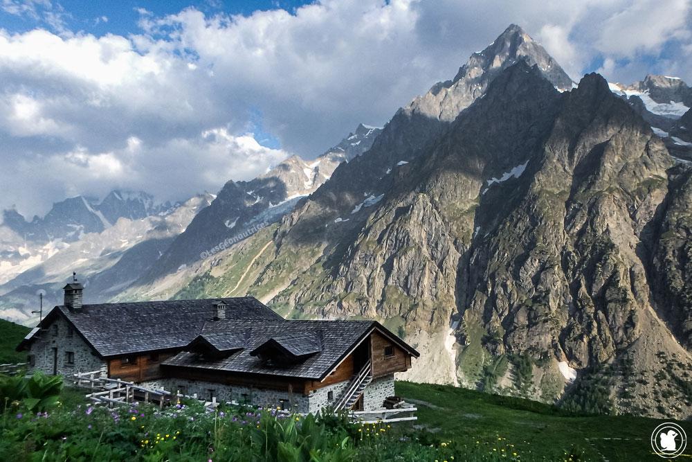 Refuge Bonatti, Tour du Mont-Blanc
