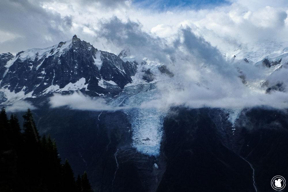 TMB - Massif du Mont-Blanc sous les nuages