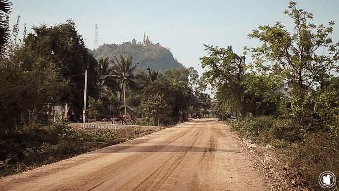 Arrivant à Wat Sampou (sur la colline)