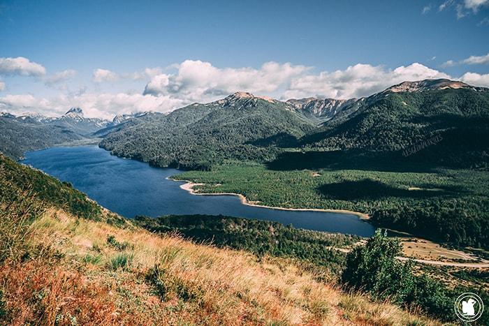 Route des 7 lacs : vue depuis le Cerro Falkner, à mi-chemin du sommet