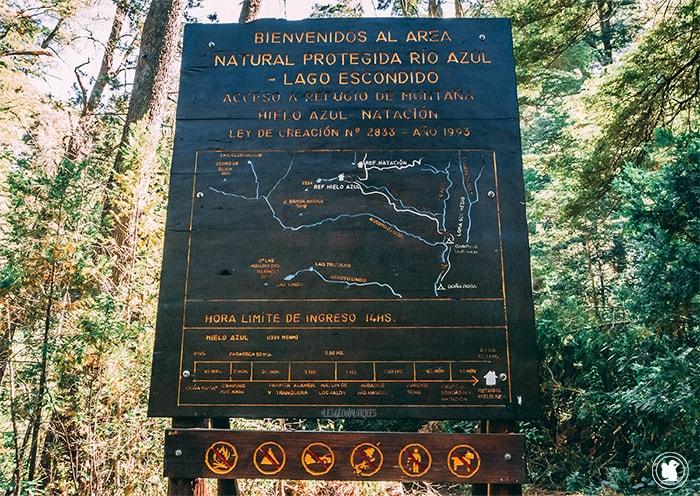 Le panneau au début du sentier Hielo Azul à El Bolson