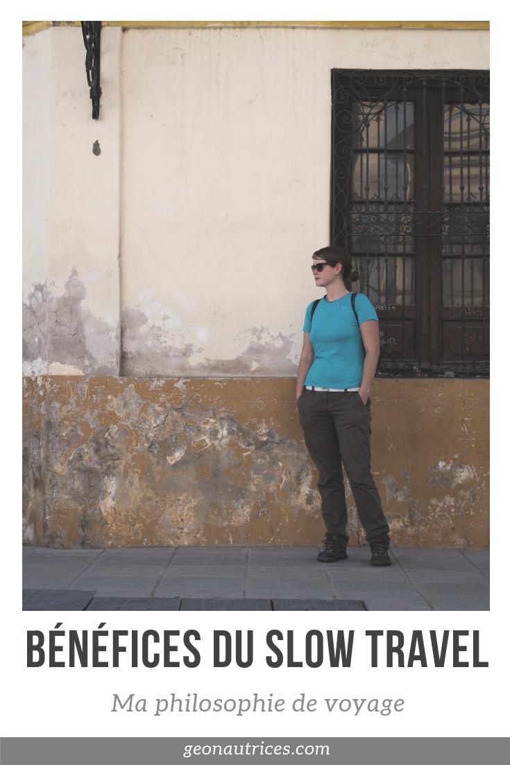 Il existe de multiples façons de voyager et à chacun sa préférence. Pour ma part, je découvre aimer prendre mon temps en voyage, voyager lentement. C'est ce qu'on appelle le slow travel. Allez découvrir les bénéfices du slow travel dans l'article ! #slowtravel #voyage #reflexion