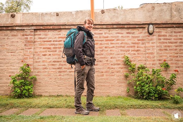 Enora et son premier sac à dos en Argentine (avant d'en changer pour un de plus grande capacité)