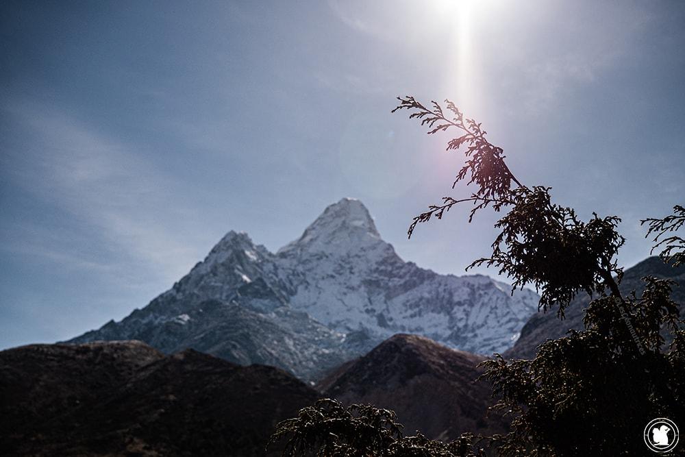 Trek des 3 cols - Rayon de soleil et montagne enneigée
