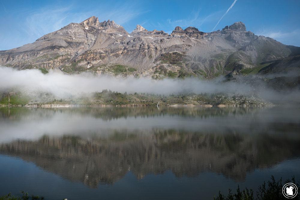 Réflexion sur le lac de Salanfe