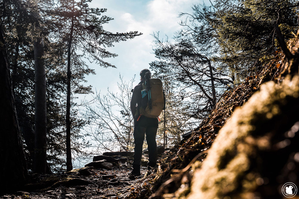 Test sac à dos randonnée Vaude Wizard 30+4 avec portage des bâtons de randonnée